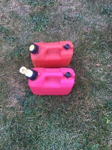 Small gas cans