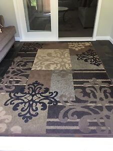 Brown Rug Excellent Condition