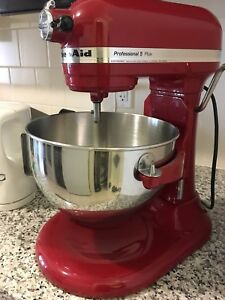 kitchen aid mixer PLUS EXTRAS
