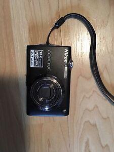 Nikon Coolpix S3000 camera