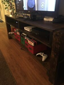 Entertainment/ TV stand