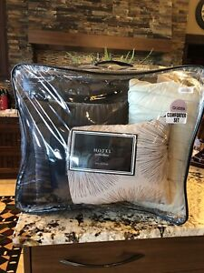 Showhome Bedding Set