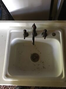 Countertop with sink and taps