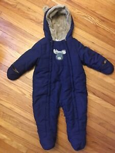 Baby bunting / snow suit 6-12 months