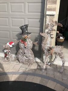 Christmas Lawn Decorations!