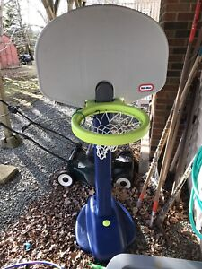 Little tykes basketball net . 40$