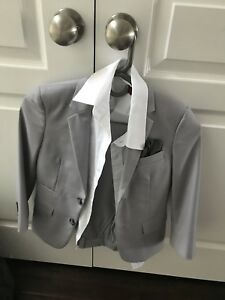Boys Size 6 Suit and dress shirt