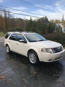 2009 Ford Taurus X LTD AWD 7 passenger