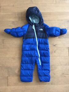Manteau North Face  en duvet 6-12 m