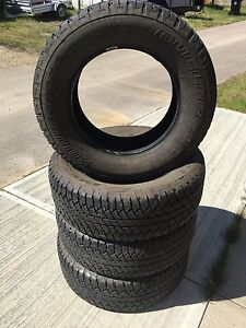 P265/65R18 Bridgestone Dueller A/T