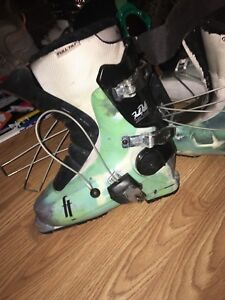 Full tilt women/ youth ski boot