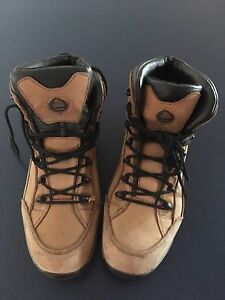 Steel cap work boots Victoria Point Redland Area Preview