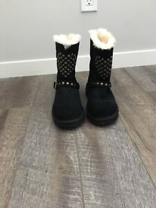 Brand new uggs size 5