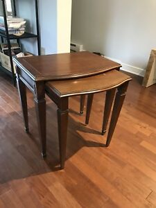 Table d'appoint / Side table