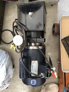 Hydraulic pump with motor