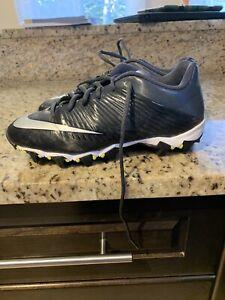 Nike Boys size 6 Football Cleats