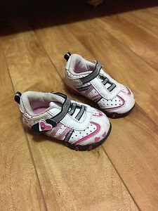 Sneakers size 2
