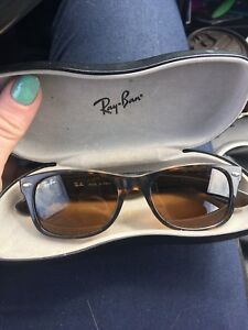 Ray Ban Wayfairer Classics with case