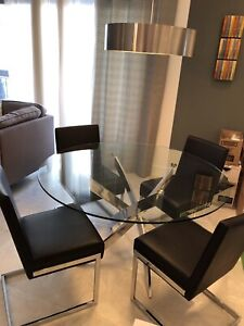 a09236f357e9 Glass circular dining room table and chairs