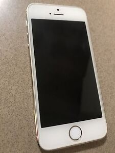 Iphone 5s 32gb unlocked Dandenong Greater Dandenong Preview