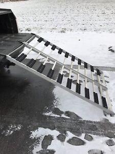 Bifold aluminum ramps