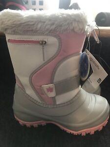 Girls sz1 Winter Boots NWT