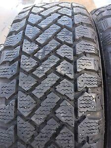 4 pneus 205/55r16 kelly en tres bonne etat