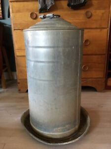 8 gallon poultry waterer