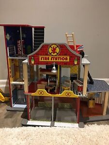 Kid Kraft wooden Fire Station set with furniture