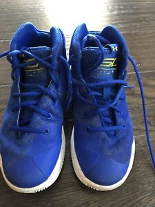 Kids Stephen curry basketball shoes