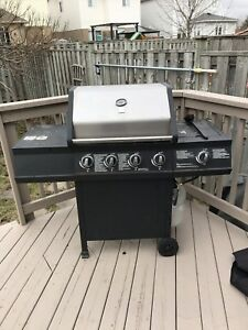 Working Barbecue / BBQ with Cover