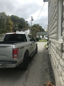 2016  Ford F 150 XLT 4*4  only 22 000km