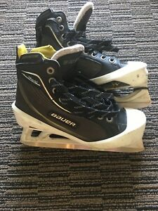 Youth size 5 Bauer Goalie Skates