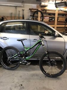 Specialized Demo 8 (DH) - small