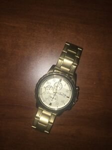 Chronograph Gold Fossil watch.