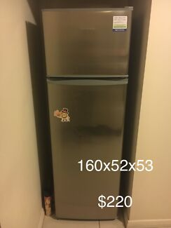 Fisher&paykel fridge for quick sale