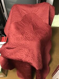 Single Burgandy Quilt, Sham & Pillow Cover
