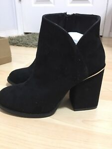 Ankle boots with gold hardware UK size 3 (fits small)