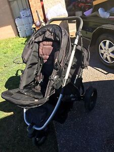 Strider plus twin seat Aberglasslyn Maitland Area Preview