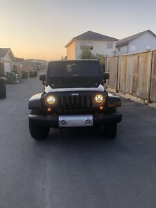 PRICE REDUCED $15,999. Jeep Wrangler Unlimited Sports 2011 4x4