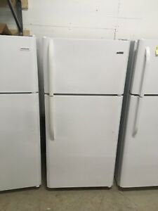 1 year old Kenmore fridge New condition