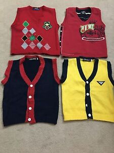 Pullovers for age 6 in good condition