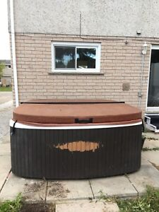 Free Outdoor hot tub