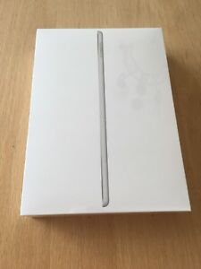 iPad WiFi 5th Gen 128gb brand new