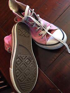 Girls Pink Hightop converse size 3