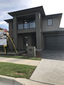 Brand new 5 Bed house for Rent Nth Kellyville