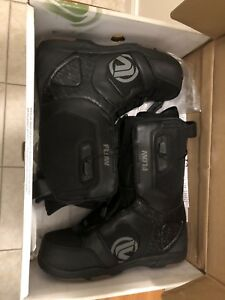 Flow Snowboarding Boots