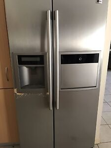 LG Side by Side Fridge/Freezer - needs repairs Forest Lake Brisbane South West Preview