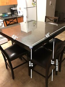 Dining Table with 6 chairs. 550 Only!