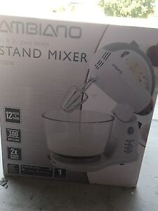 Stand mixer 4& 2l glass bowl - new brand. Pick up Virginia or Ashgrove Ashgrove Brisbane North West Preview